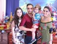 Clara Ferreira, Felipe Ara�jo, Lorenzo e Jamile Cambraia