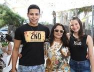 John, Audira Melo e Mariana Holanda