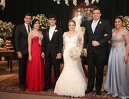 Grupo de familiares e padrinhos