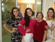 Marina, Mirella, Célia e Karina Bezerra