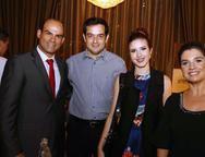 Arthur, Reinaldo Garcia, Livia Xavier e Joana Brasil