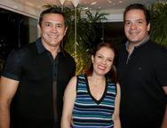 Andrade Mendon�a, Manuella Brand�o e Thiago Holanda