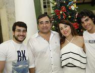 Jardson Cruz, Fatima Fernandes, Lucas e Caio Cruz