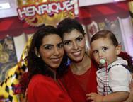 Carla, Flávia Laprovitera e Henrique
