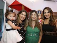 Olivia Santiago, Patricia Santiago, Renata Abreu, e Nathalia Figueredo