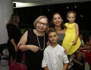 Angela Laprovitera, Ligia, Davi e Julia
