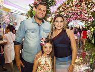 Jonatan Rodrigues, Larice Xavier e Alice Xavier