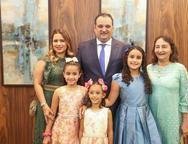 Renata, Sara, Lara, Lina, Patriolino e Gra�a Dias